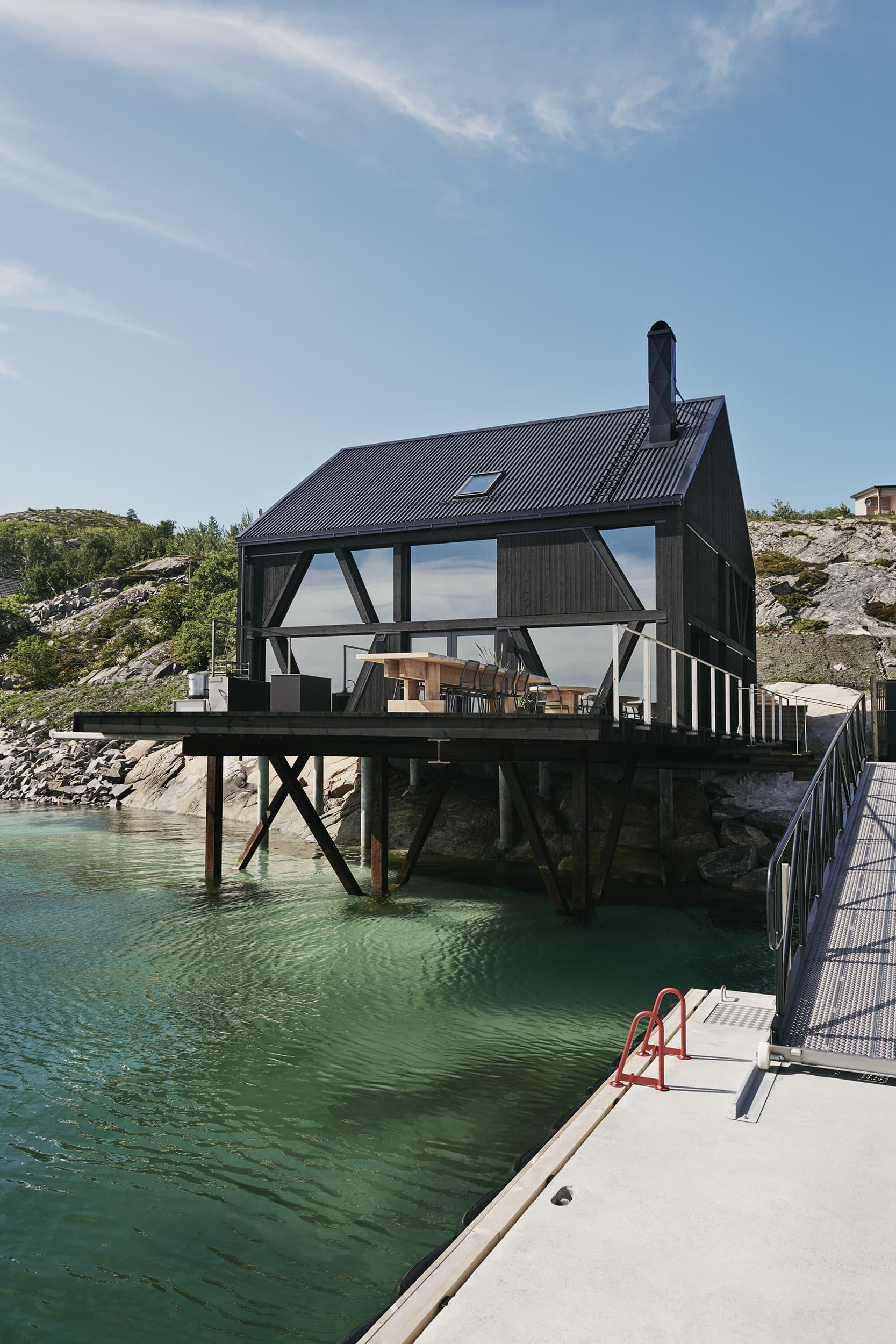 Ivar Kvaal – Naustet Stokkøya