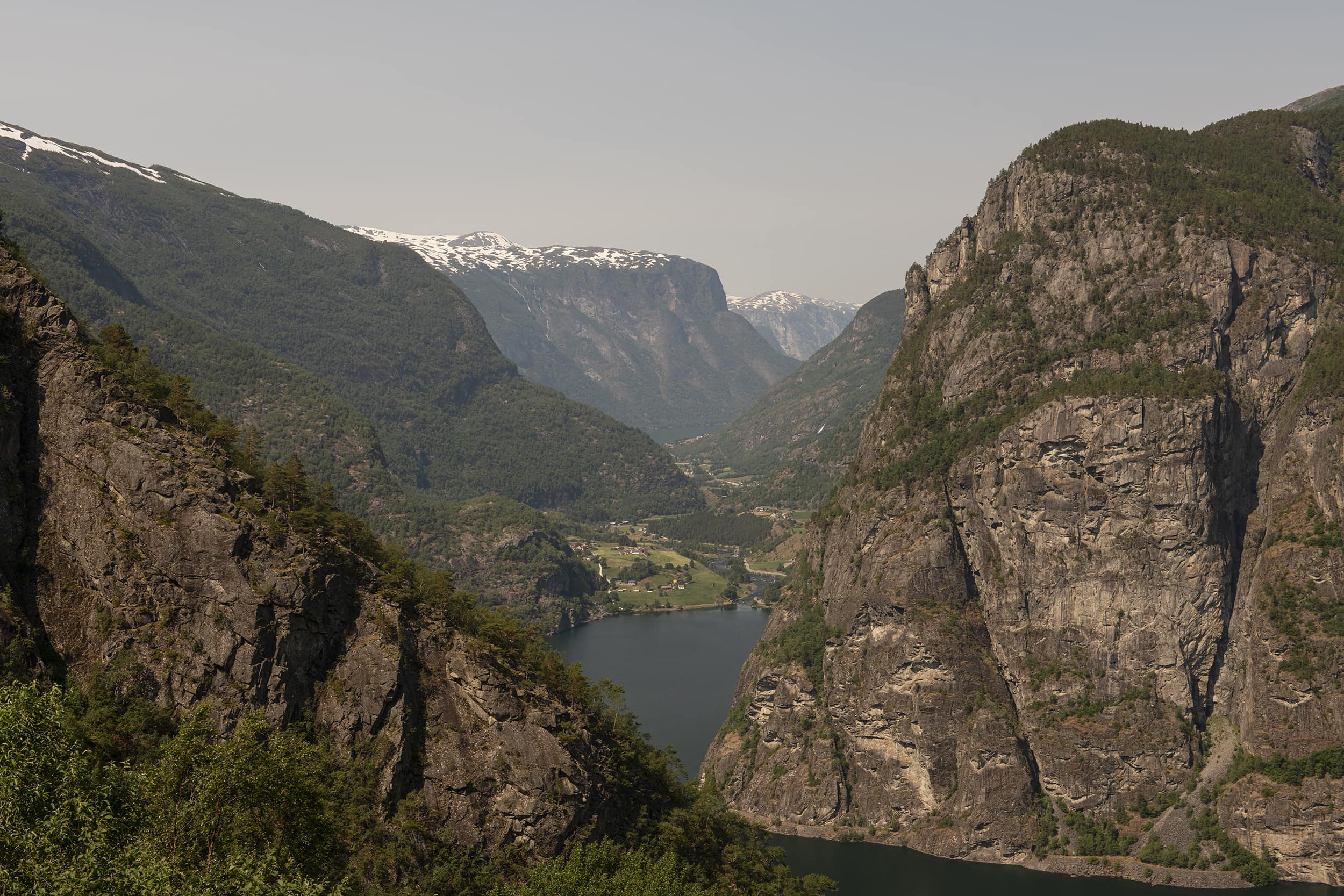Ivar Kvaal – VY